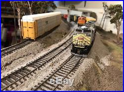 HO Scale Athearn Genesis KCS SD70-ACe with DCC & Tsunami Sound lightly weathered